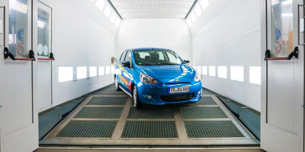KfZ-Werkstatt alle Marken Autohaus Trierweiler Lackkabine